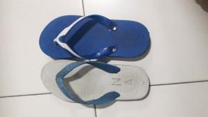 Sandal yang tertukar