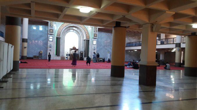 Jangan Tinggalkan Masjid, Nak